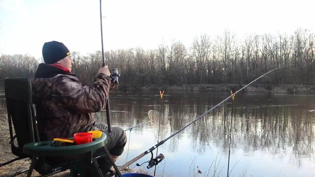 Рыбак весной
